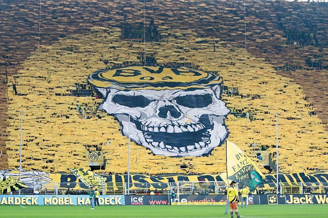 Dortmund-mur-jaune